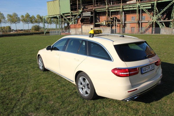 Mercedes Benz - Seitenansicht